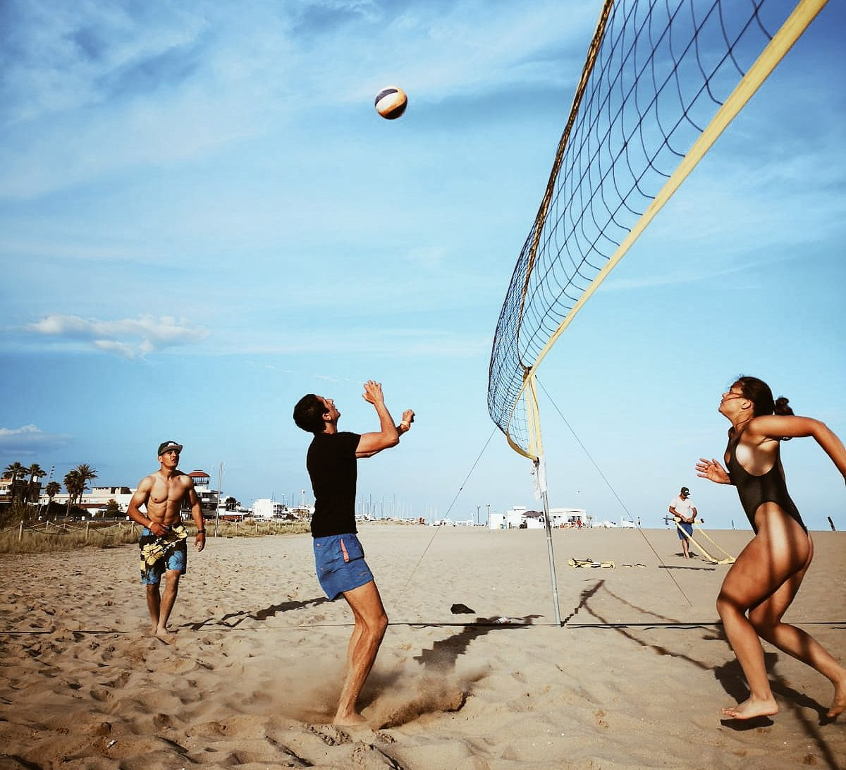 play volleyball for free